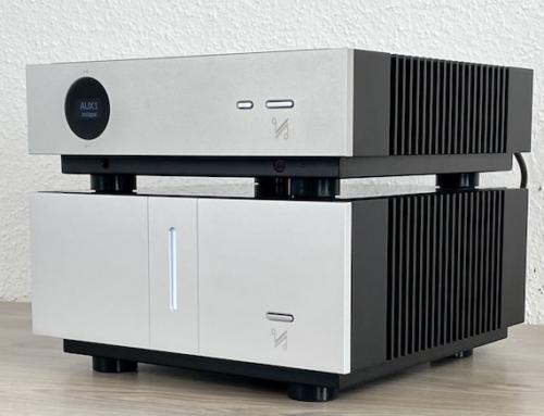 Quad Artera Pre und Stereo – analoge Vorstufe und perfekt passende Endstufe im minimalistischen Design – AREA DVD